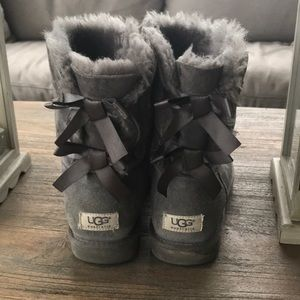 UGGS Bailey Bow Back Women's Grey Boots Size 8